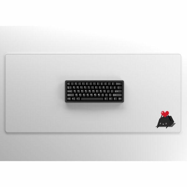 Keycap Buddy Heart Keycap on White with Keyboard
